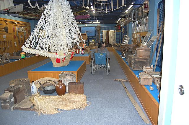 シャーラ船の展示の画像 クリック・Enterで拡大