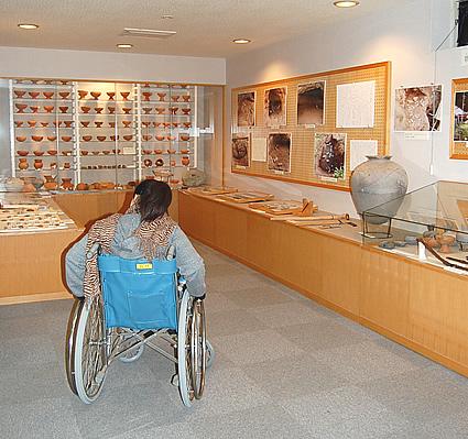 土器の展示の画像 クリック・Enterで拡大