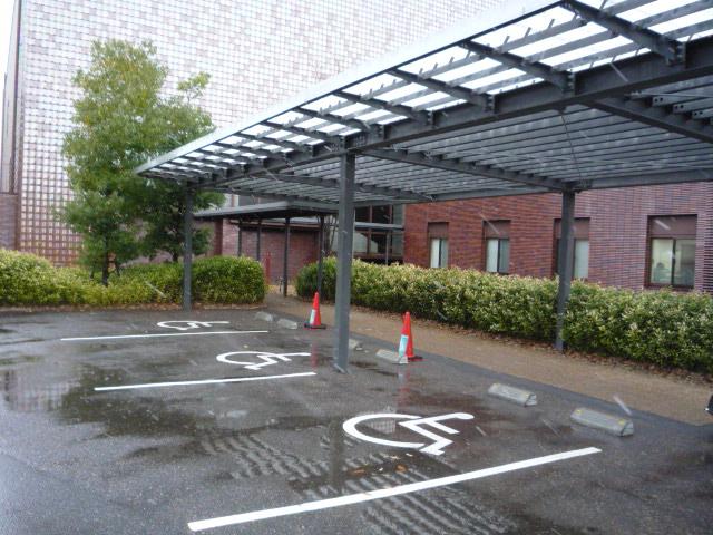 身体障害者用駐車場の画像 クリック・Enterで拡大