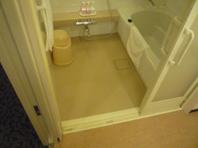 バリアフリールーム内 お風呂の画像 クリック・Enterで拡大