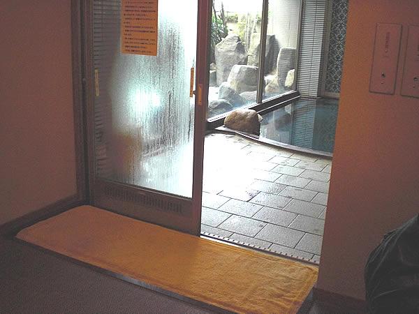 浴場入口の画像 クリック・Enterで拡大
