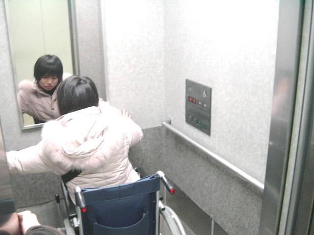 エレベーターの画像 クリック・Enterで拡大