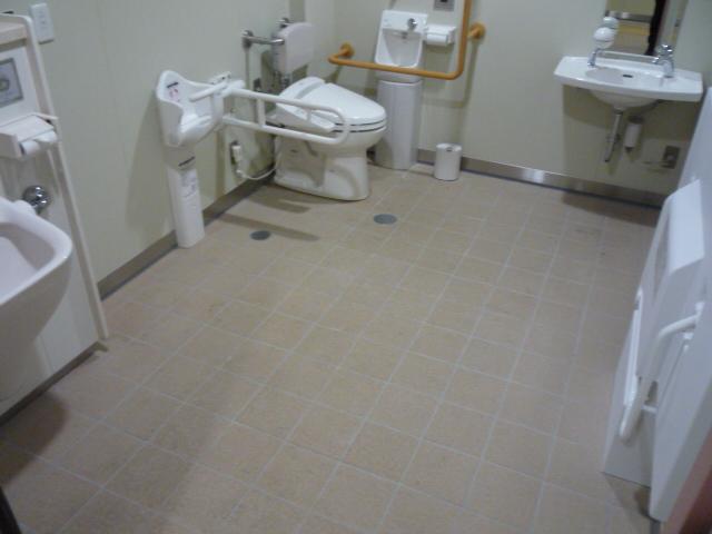 多目的トイレの画像 クリック・Enterで拡大
