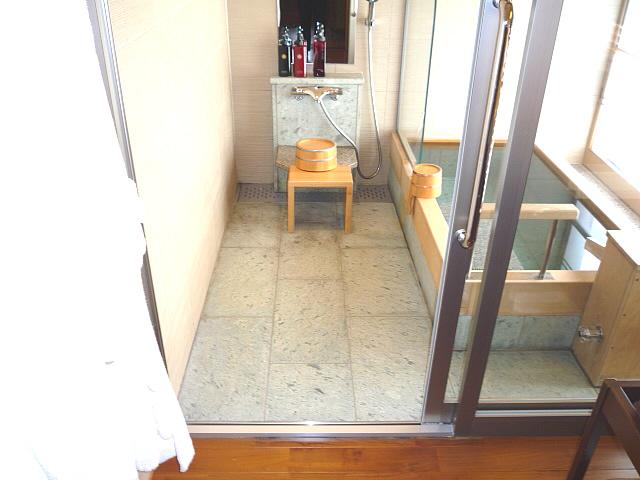 バリアフリー対応ルームの浴室の画像 クリック・Enterで拡大