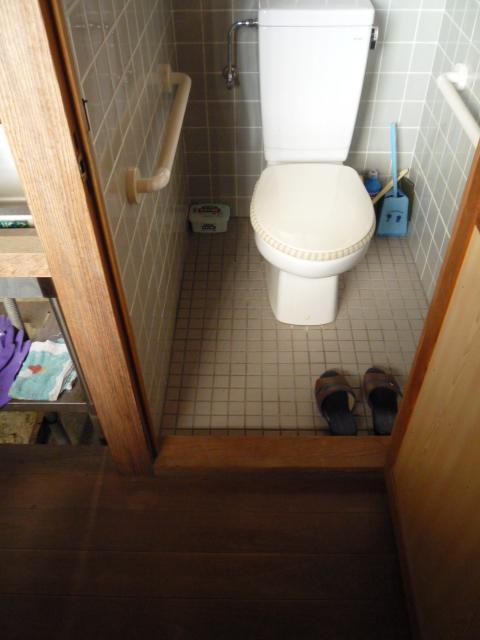 館内トイレ内部の画像 クリック・Enterで拡大