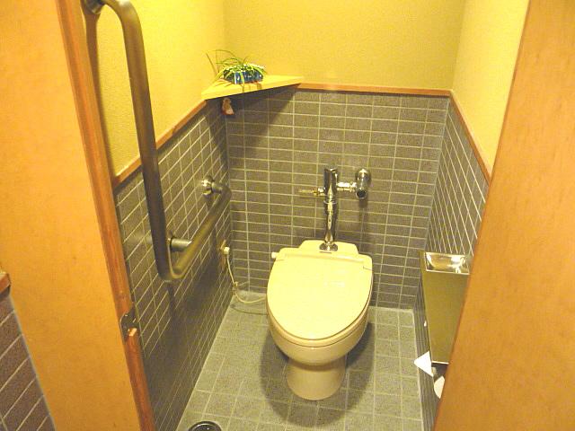 1階トイレ内部の画像 クリック・Enterで拡大