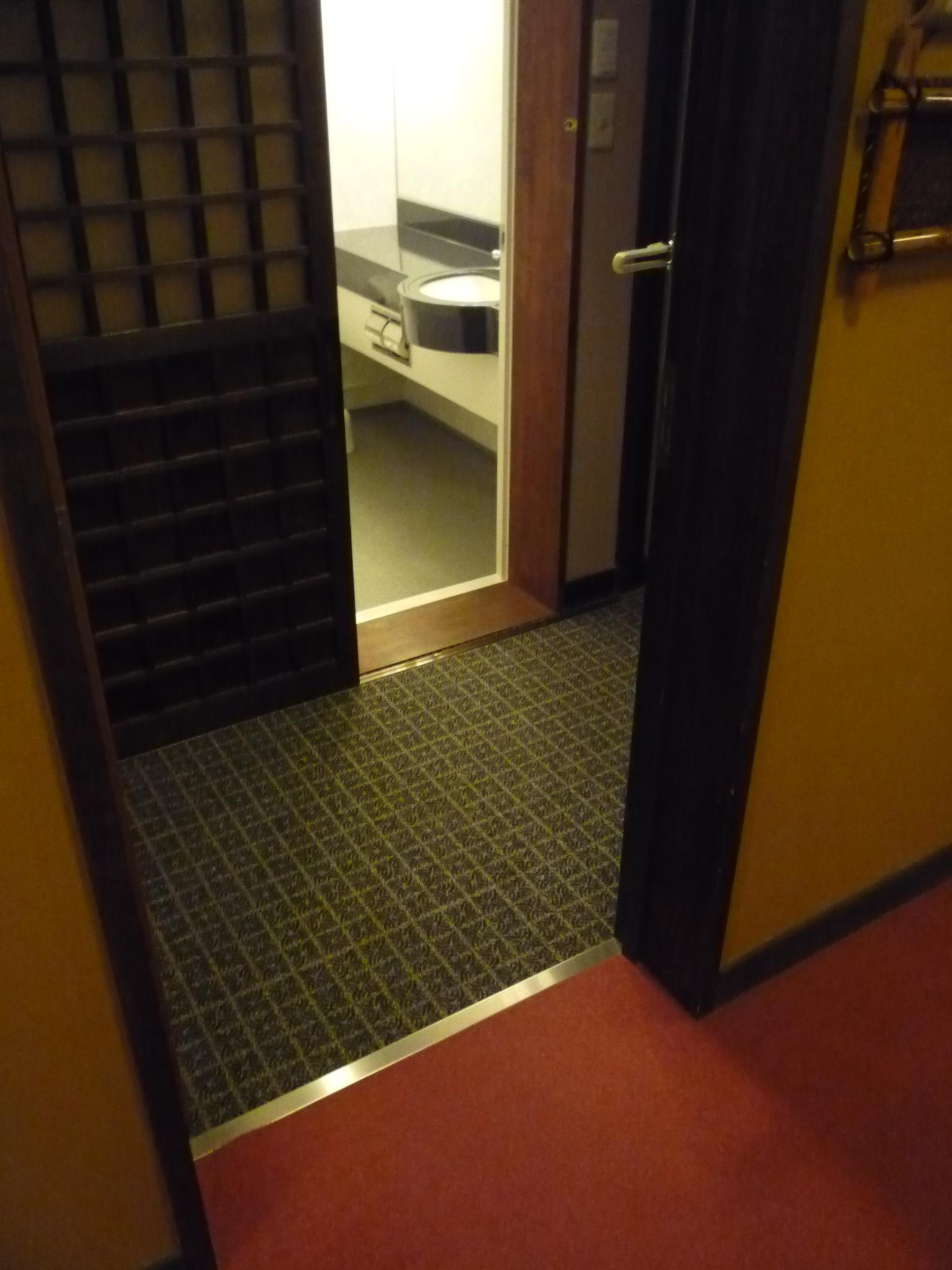 客室 やまびこ 入口の画像 クリック・Enterで拡大