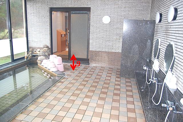 大浴場内への入口の画像 クリック・Enterで拡大