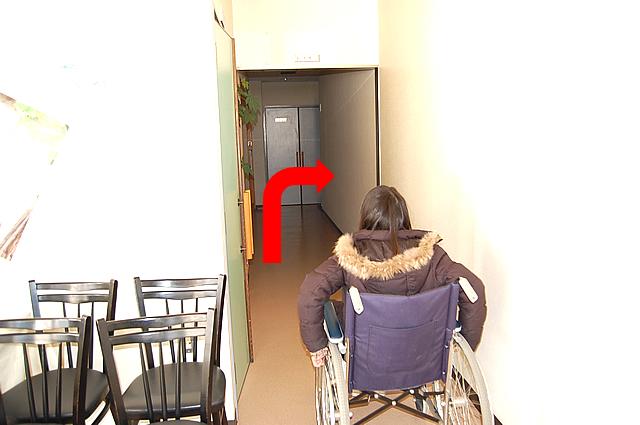 トイレまでの通路の画像 クリック・Enterで拡大