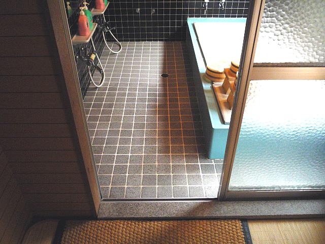 浴場(男性)の画像 クリック・Enterで拡大