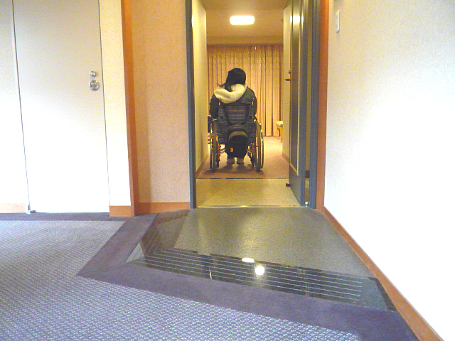 バリアフリールーム入口の画像 クリック・Enterで拡大