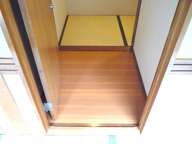 客室入口の画像 クリック・Enterで拡大
