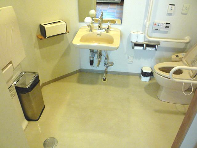 津和野温泉なごみの里内にある身障者トイレの画像 クリック・Enterで拡大