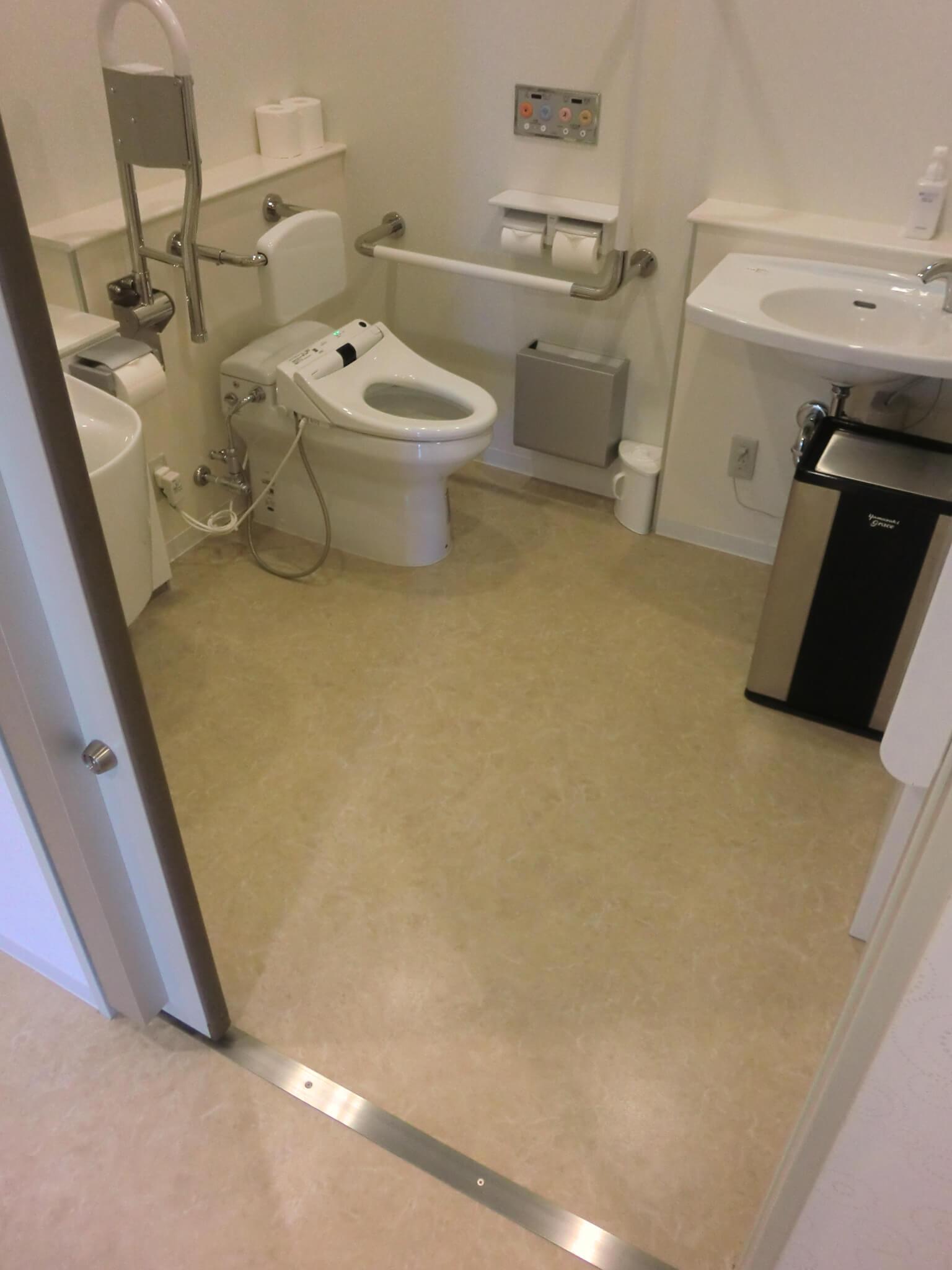 1階車いす用トイレの画像 クリック・Enterで拡大